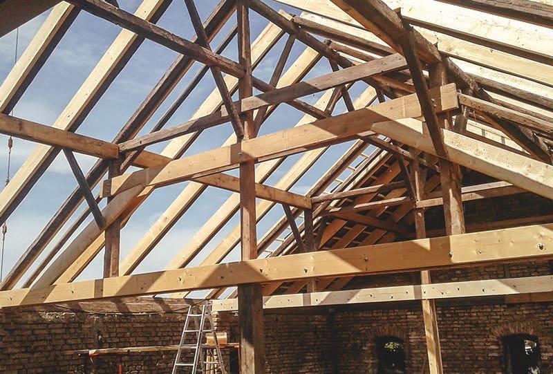Dachstuhl-Sanierung von Hattinger Holzbau GmbH in Pramet