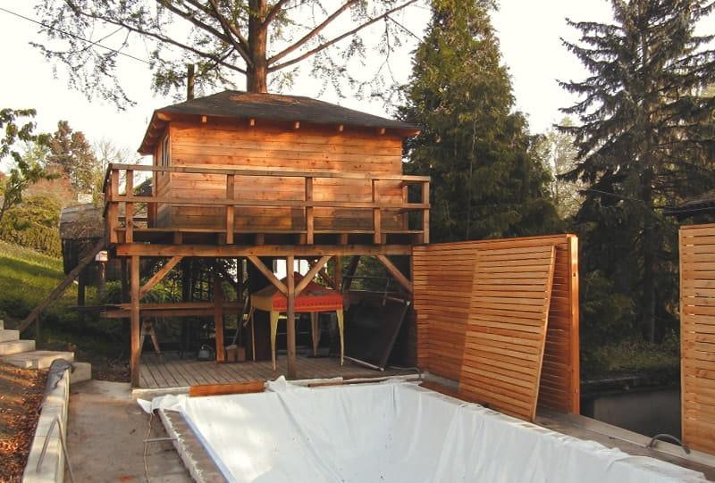 Baumhaus mit Sichtschutzwand Hattinger Holzbau GmbH