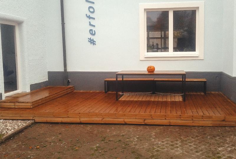 Holzterrasse von Hattinger Holzbau GmbH