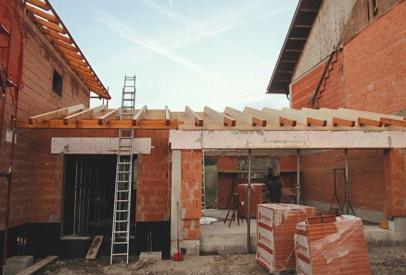 Anbau mit Walmdach Einfamilienhaus Hattinger Holzbau GmbH Pramet